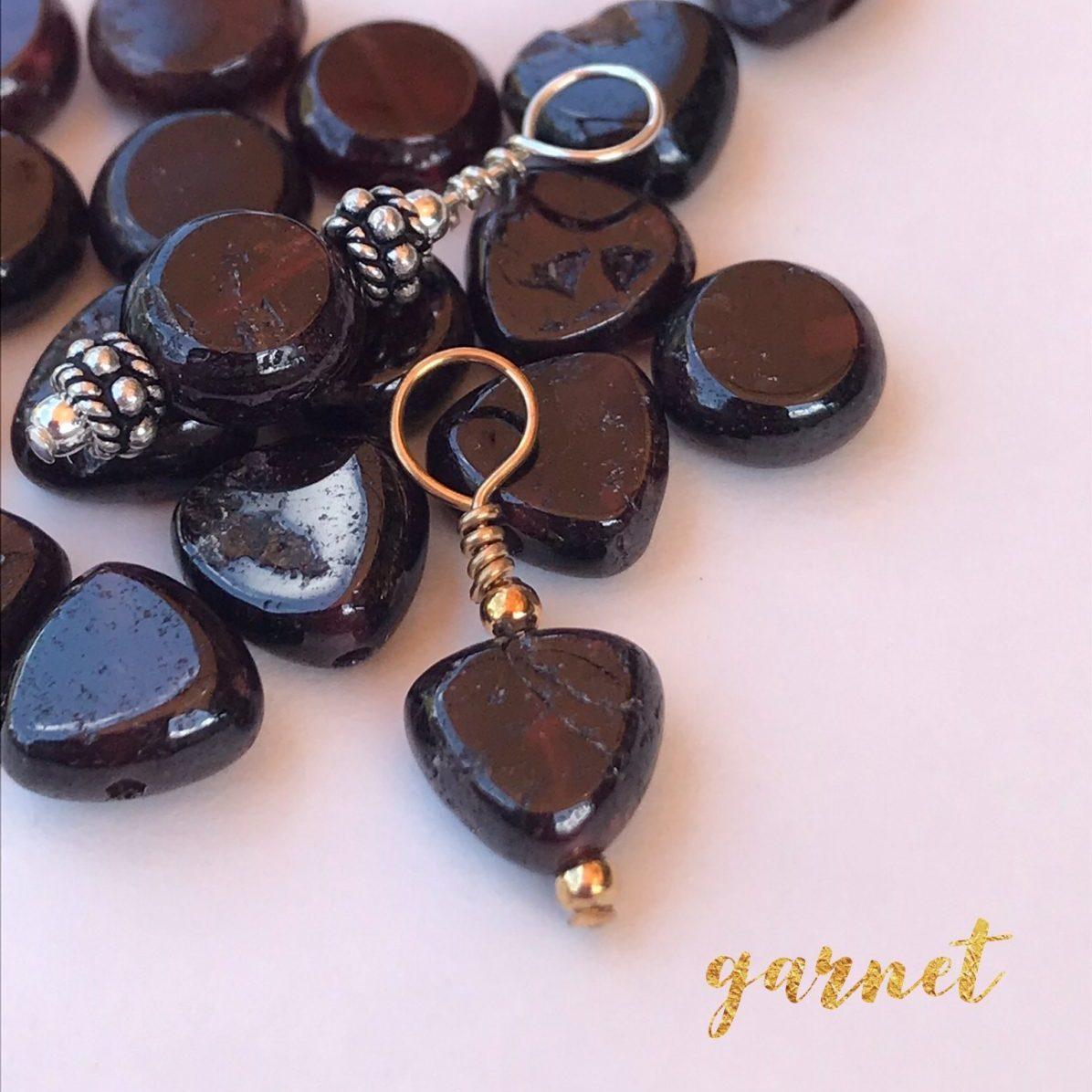 Garnet I Amulets